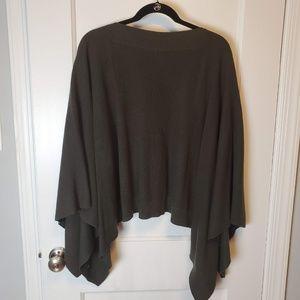lululemon athletica Sweaters - Lululemon Forward Flow Sweater Cape Poncho Olive